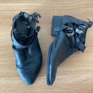 Jeffrey Campbell Everly Cut-out leather ankle boot